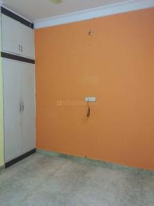 Gallery Cover Image of 750 Sq.ft 2 BHK Apartment for rent in Guttahalli for 15000