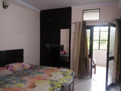 Gallery Cover Image of 1900 Sq.ft 3 BHK Apartment for rent in Management Apartments, Sector 5 Dwarka for 29000