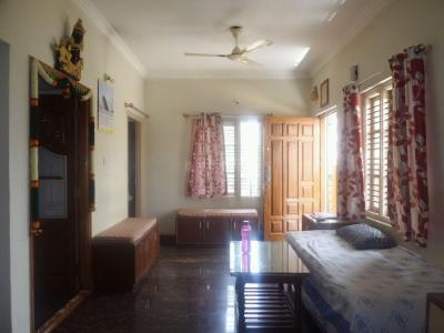 Gallery Cover Image of 1100 Sq.ft 3 BHK Independent Floor for rent in J P Nagar 8th Phase for 16000