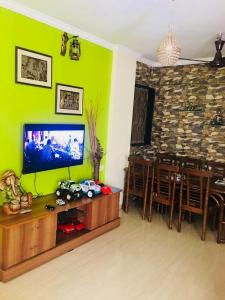 Gallery Cover Image of 1050 Sq.ft 2 BHK Apartment for rent in Kopar Khairane for 40000
