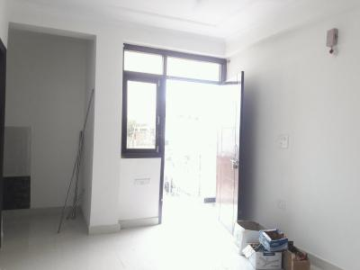Gallery Cover Image of 750 Sq.ft 2 BHK Apartment for rent in Chhattarpur for 10500