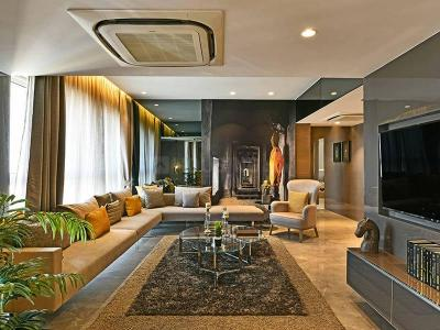 Gallery Cover Image of 1514 Sq.ft 3 BHK Apartment for buy in Runwal Elegante, Andheri West for 61700000