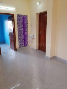 Gallery Cover Image of 800 Sq.ft 2 BHK Apartment for rent in Redhills for 7500