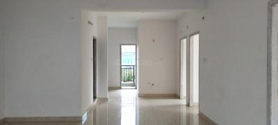 Gallery Cover Image of 1090 Sq.ft 2 BHK Apartment for buy in Singasandra for 4475000