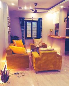 Gallery Cover Image of 1000 Sq.ft 2 BHK Independent Floor for rent in Rajouri Garden for 38000