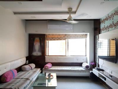 Gallery Cover Image of 1215 Sq.ft 3 BHK Apartment for buy in Pimpri for 10000000