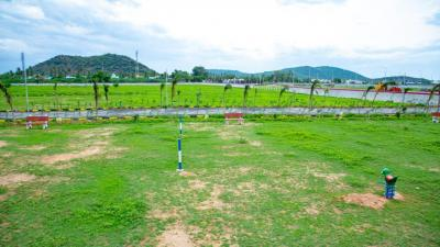 Gallery Cover Image of  Sq.ft Residential Plot for buy in Perungalathur for 3300000