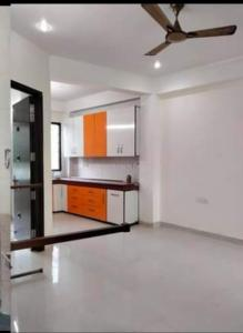 Gallery Cover Image of 750 Sq.ft 2 BHK Apartment for rent in RWA Khirki Extension Block R, Malviya Nagar for 16000