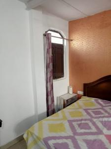 Gallery Cover Image of 1359 Sq.ft 2 BHK Apartment for rent in Jaipuria Sunrise Greens Premium, Ahinsa Khand for 20000