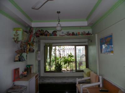 Gallery Cover Image of 640 Sq.ft 1 BHK Apartment for buy in Dadar East for 20000000