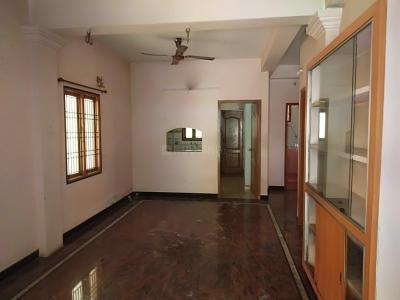 Gallery Cover Image of 1400 Sq.ft 3 BHK Independent Floor for rent in Velachery for 25000