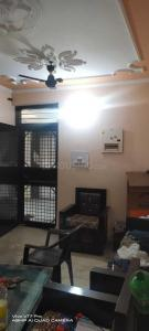 Gallery Cover Image of 900 Sq.ft 2 BHK Apartment for buy in DDA E2 Vasant Kunj, Vasant Kunj for 12500000