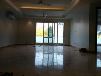 Gallery Cover Image of 2000 Sq.ft 4 BHK Independent Floor for buy in Sarvodaya Enclave for 55000000