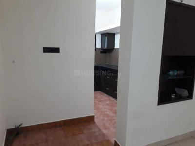 Gallery Cover Image of 600 Sq.ft 1 BHK Apartment for rent in Adyar for 15000