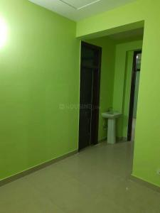 Gallery Cover Image of 990 Sq.ft 2 BHK Apartment for rent in sector 73 for 10000