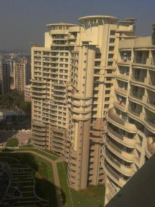 Gallery Cover Image of 1400 Sq.ft 3 BHK Apartment for rent in Nahar Tulipia and Tilia Apartment, Powai for 75000