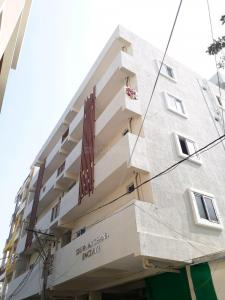 Gallery Cover Image of 500 Sq.ft 1 BHK Apartment for rent in Khaja Guda for 18000