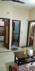 Gallery Cover Image of 900 Sq.ft 2 BHK Apartment for rent in Rajajinagar for 19000