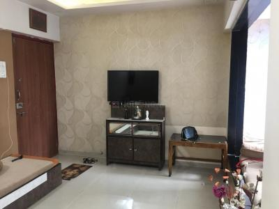 Gallery Cover Image of 575 Sq.ft 1 BHK Apartment for rent in Mulund East for 21000