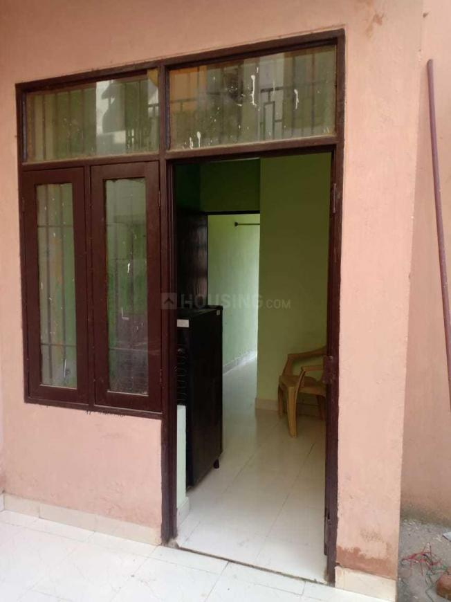 Main Entrance Image of 540 Sq.ft 1 BHK Apartment for buy in Sector 81 for 700000