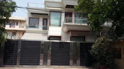 Gallery Cover Image of 1437 Sq.ft 2 BHK Independent Floor for rent in Sector 17 for 20500