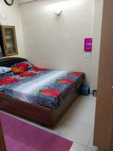 Gallery Cover Image of 900 Sq.ft 2 BHK Apartment for rent in Chembur for 60000