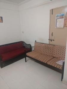 Gallery Cover Image of 700 Sq.ft 2 BHK Apartment for rent in Sai Shraddha Apartment, Shivane for 9000