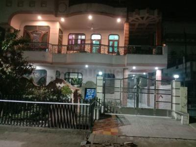 Gallery Cover Image of 2480 Sq.ft 3 BHK Independent Floor for rent in Modipuram for 13000