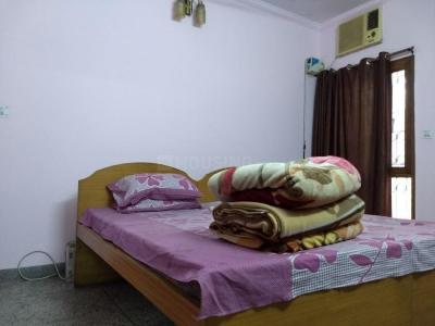 Gallery Cover Image of 1050 Sq.ft 2 BHK Apartment for rent in Sarita Vihar for 25000