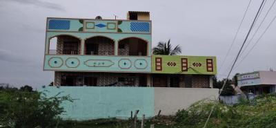 Gallery Cover Image of 2000 Sq.ft 1 BHK Independent House for rent in Tiruchanur for 4000