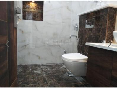 Gallery Cover Image of 1950 Sq.ft 3 BHK Apartment for rent in Sector 23 Dwarka for 27000