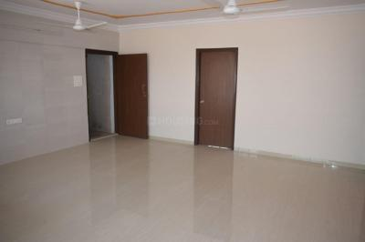 Gallery Cover Image of 1650 Sq.ft 3 BHK Apartment for rent in Narendra Apartment CHS, Santacruz East for 75000