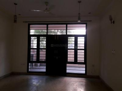 Gallery Cover Image of 850 Sq.ft 2 BHK Independent Floor for rent in Sector-12A for 20000