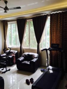 Gallery Cover Image of 4000 Sq.ft 5 BHK Villa for buy in Neelankarai for 35000000