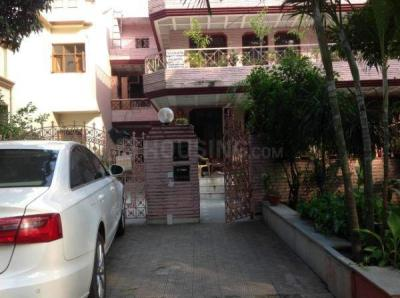 Gallery Cover Image of 1945 Sq.ft 2 BHK Independent Floor for rent in Sector 17 for 27000