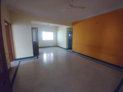 Gallery Cover Image of 1650 Sq.ft 3 BHK Apartment for rent in Dhanush Palace, Bommanahalli for 20000