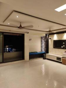 Gallery Cover Image of 1250 Sq.ft 2 BHK Apartment for rent in Thane West for 30000