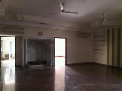Gallery Cover Image of 18000 Sq.ft 5+ BHK Independent House for buy in DLF Phase 3 for 140000000