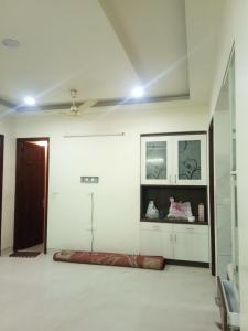 Gallery Cover Image of 1800 Sq.ft 3 BHK Independent Floor for rent in Sector 49 for 16000