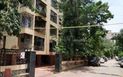 Gallery Cover Image of 500 Sq.ft 1 BHK Apartment for buy in Malad West for 9700000