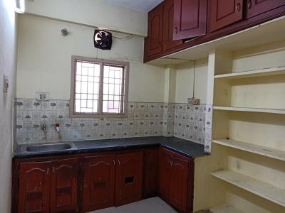Gallery Cover Image of 790 Sq.ft 2 BHK Apartment for rent in Kodambakkam for 16000
