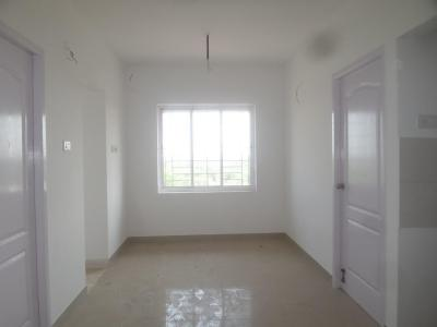 Gallery Cover Image of 680 Sq.ft 2 BHK Apartment for buy in Avadi for 2650000