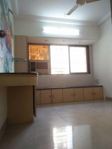 Gallery Cover Image of 720 Sq.ft 2 BHK Apartment for rent in Borivali West for 35000