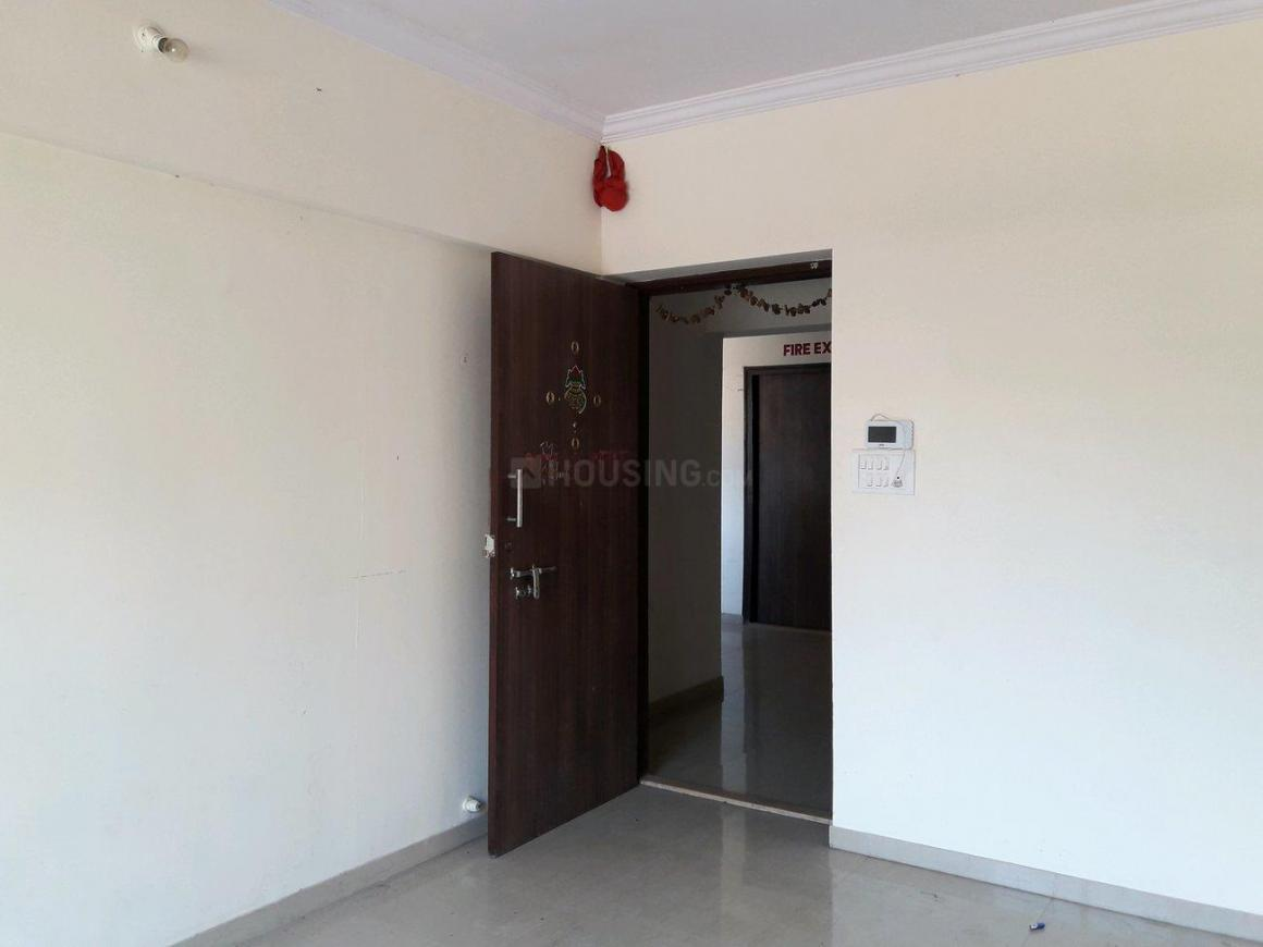 Living Room Image of 587 Sq.ft 1 BHK Apartment for rent in Kalyan West for 7500