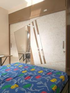 Gallery Cover Image of 1050 Sq.ft 2 BHK Apartment for rent in Kanakia Rainforest, Andheri East for 55000