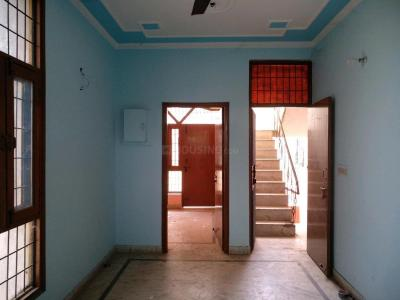 Gallery Cover Image of 800 Sq.ft 2 BHK Apartment for rent in Sector 42 for 9500