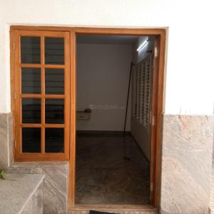Gallery Cover Image of 1150 Sq.ft 2 BHK Apartment for rent in Indira Nagar for 35000
