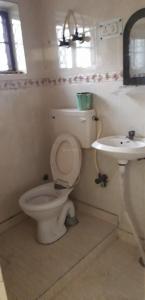 Bathroom Image of Q Pkt Top Flat in Dilshad Garden