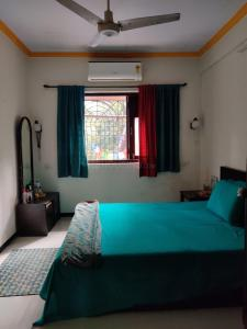 Gallery Cover Image of 650 Sq.ft 1 BHK Apartment for rent in Xavier Apartment, Bandra West for 50000