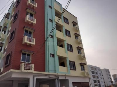 Gallery Cover Image of 650 Sq.ft 1 BHK Apartment for rent in Puppalaguda for 10000